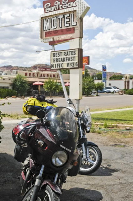 Arriving at the Sun & Sand motel in Kanab